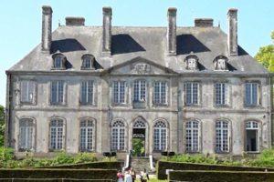Marché artisanal chateau de Carneville
